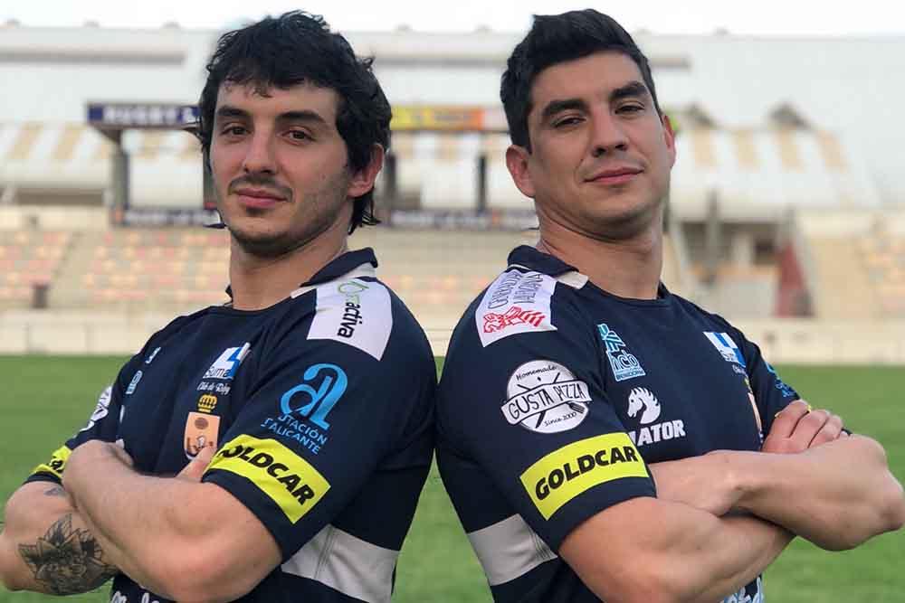 Lautaro (izq) y Ramiro (dcha) en el campo de La Vila